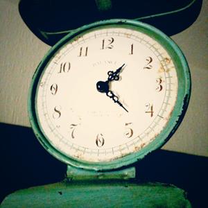 新品なのにオンボロ感が美しい時計