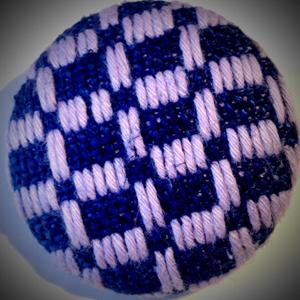 美しい幾何学模様の刺繍